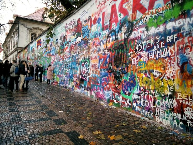 John Lennon Mauer Prag