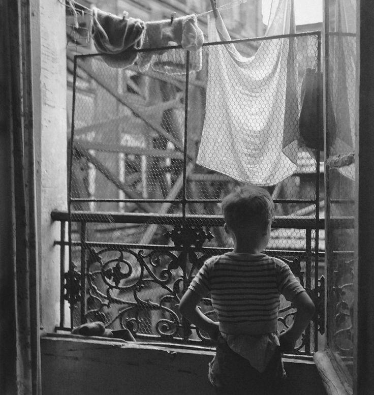 11th Arrondissement Paris 1954 /  Photo: Gérald Bloncourt