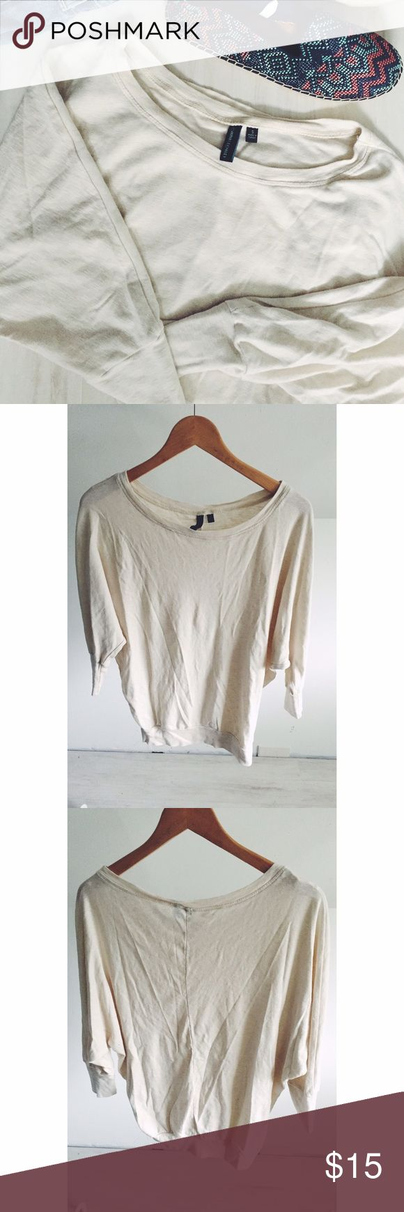 Cynthia Rowley Cream Batwing Shirt The perfect basic for your new year wardrobe! A beautiful stitch line down the back is very flattering and the slouchy, batwing style makes this easy to wear alone or layer! Gently used. Great condition. Cynthia Rowley Tops Tees - Long Sleeve