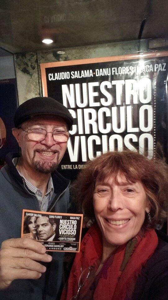 16/4/2016. Teatro Columbia. Una pareja que lleva 25 años de casados, festeja los 50 años de él, desde allí parte una crisis que no se define con la fuerza necesaria. Olvidable.