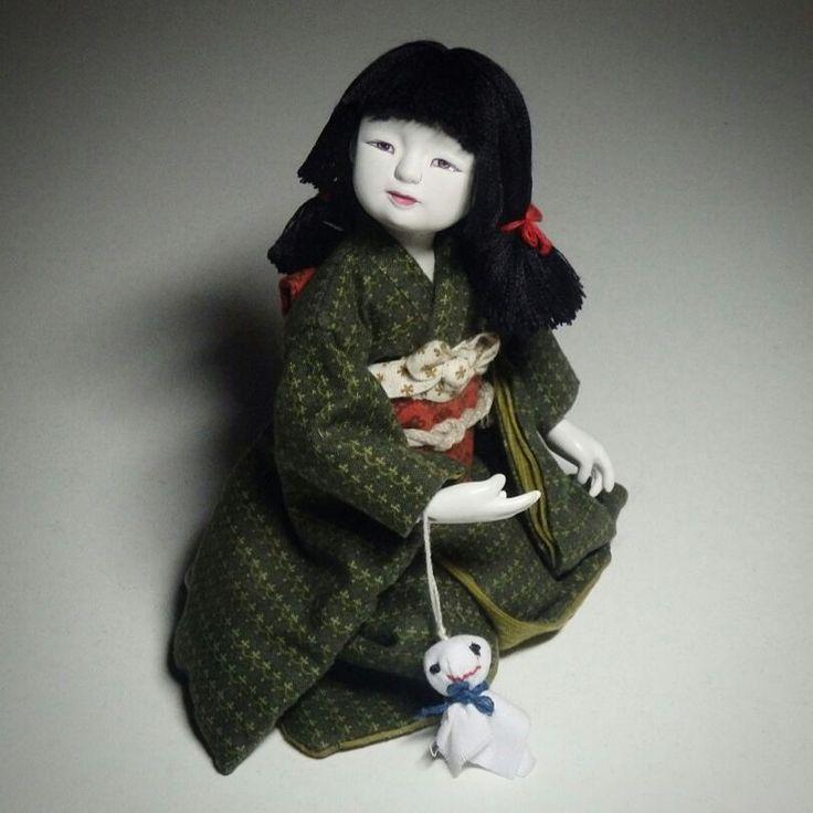 Мелкая вернулась ко мне, погуляв. Сделала ее фото на радостях в драматическом освещении. #dolls #ooak #handmadedolls #handmade #instadoll #dollstagram #bjddoll #dollartist #artdoll #art #artworks #japanesedoll #japanese #bjd #balljointeddoll #myart #craft