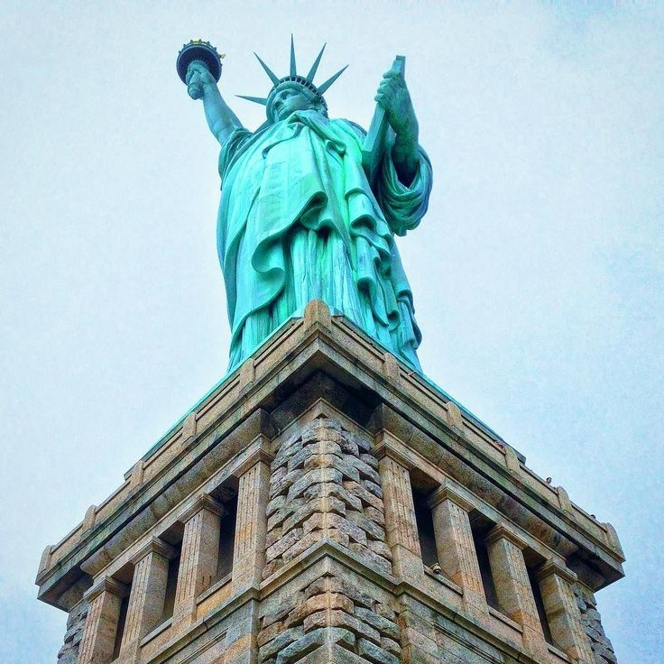 The#StatueofLibertyis a colossal neoclassicalsculptureonLibertyIsland in New York Harbor in New York City in the #UnitedStates. The copperstatue a gift from the people of France to the people of the United States was designed by French sculptor Frédéric Auguste #Bartholdi and built by Gustave #Eiffel ... . #nyc #libertyisland #liberty #usa #usa #fotos#travel#traveling#pictures #turism#traveltheworld#nofilters#pics#instatravel#travelgram#tourism #wanderlust#writetotravel…