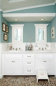 small beach house bathrooms - Google Search