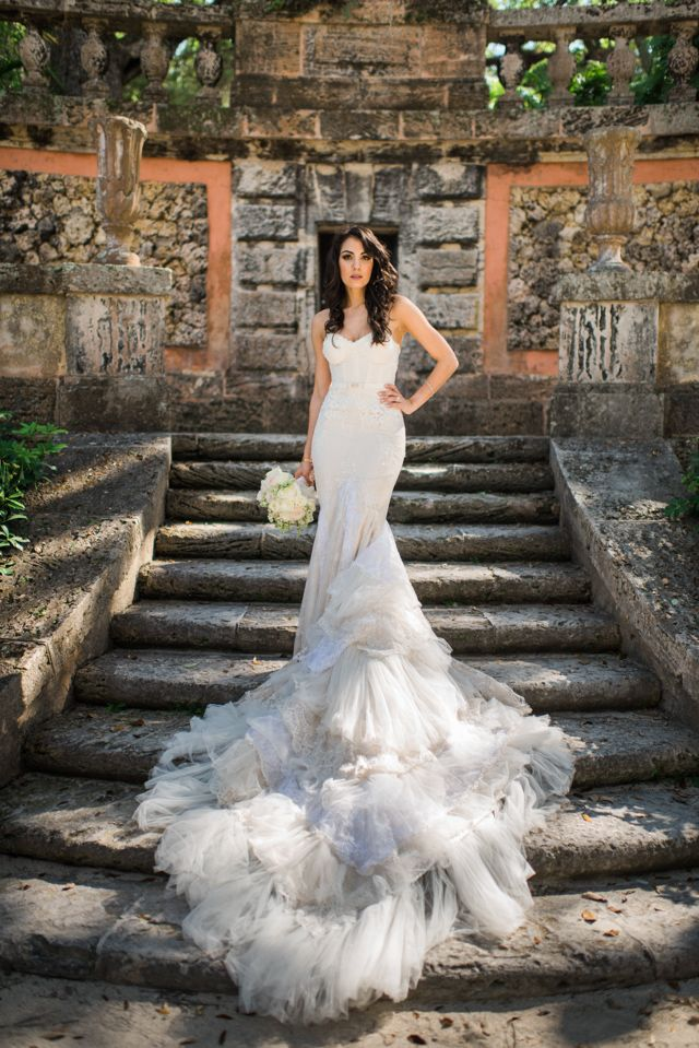 A real bride wearing an Inbal Dror wedding dress | Trenholm Photo | see more on: http://burnettsboards.com/2015/11/real-bride-wearing-inbal-dror/