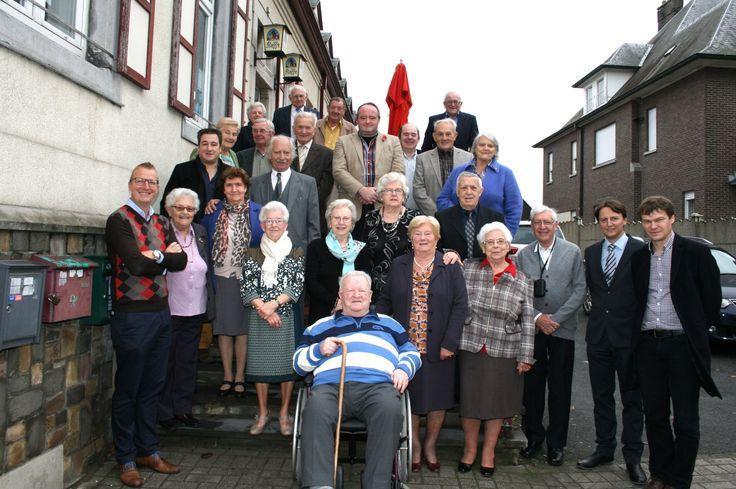 Negentien tachtigjarigen uit de Potjesmarktgemeente verzamelden in parochiehuis 't Veer om er samen hun geboorte in het gezegende jaar 1934 te vieren.
