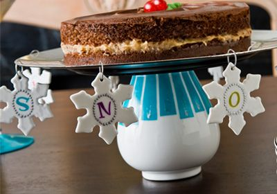 Snowflake Cake PlateChristmas Diy, Cake Standssss, Christmas Crafts, Christmas Goodies Crafts, Plates Christmasrecipes, Snow Flakes, Desserts Tables, Cake Plates, Snowflakes Cake