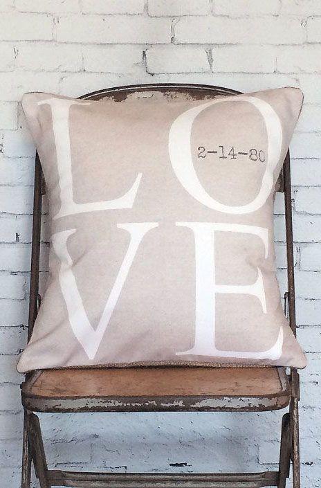 les 150 meilleures images du tableau coussins sur pinterest oreillers coussins et coussin d. Black Bedroom Furniture Sets. Home Design Ideas