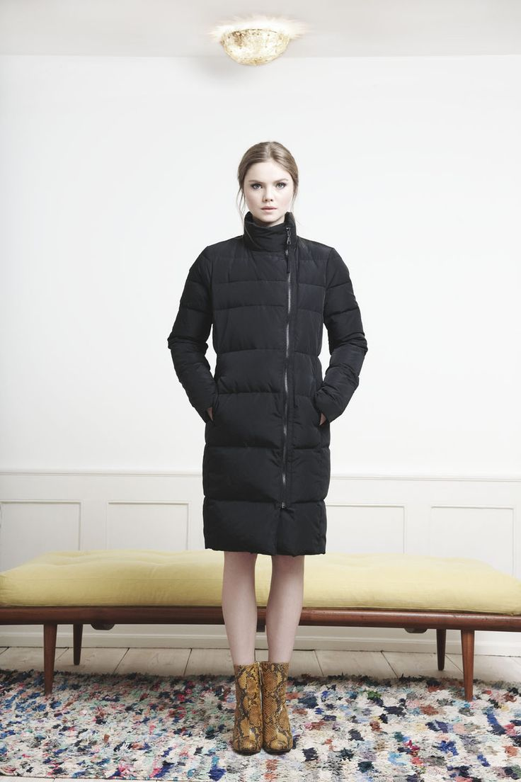 Rützou black down coat with zipper and high neck