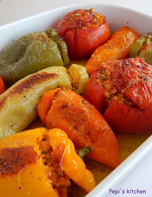 Γεμιστά με πλιγούρι και φινόκιο http://pepiskitchen.blogspot.gr/2011/04/blog-post.html