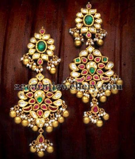 Jewellery Designs: Classic Kundan Earrings