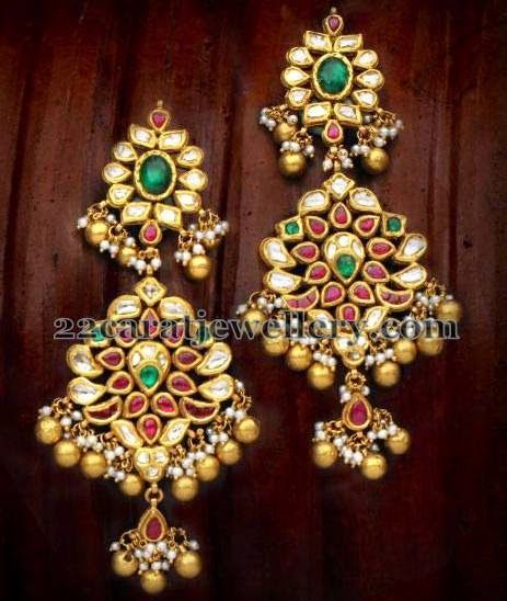 Jewellery Designs: Classic Kundan Earrings