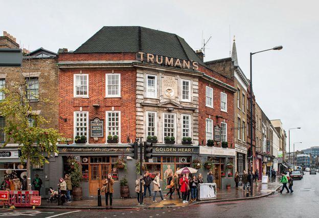 Golden Heart pub, Spitalfields, London