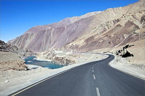 From Jan To Aug, 2 Lakh Tourists Flooded In Ladakh  >>>