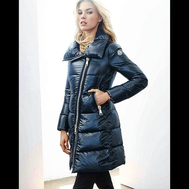 Haven't posted in a long time, think it's time I start again with this beauty showing off her sexy Moncler jacket. #puffyjacket #moncler #down #jacket #shiny #puffy #puffer #hot #blonde #girl