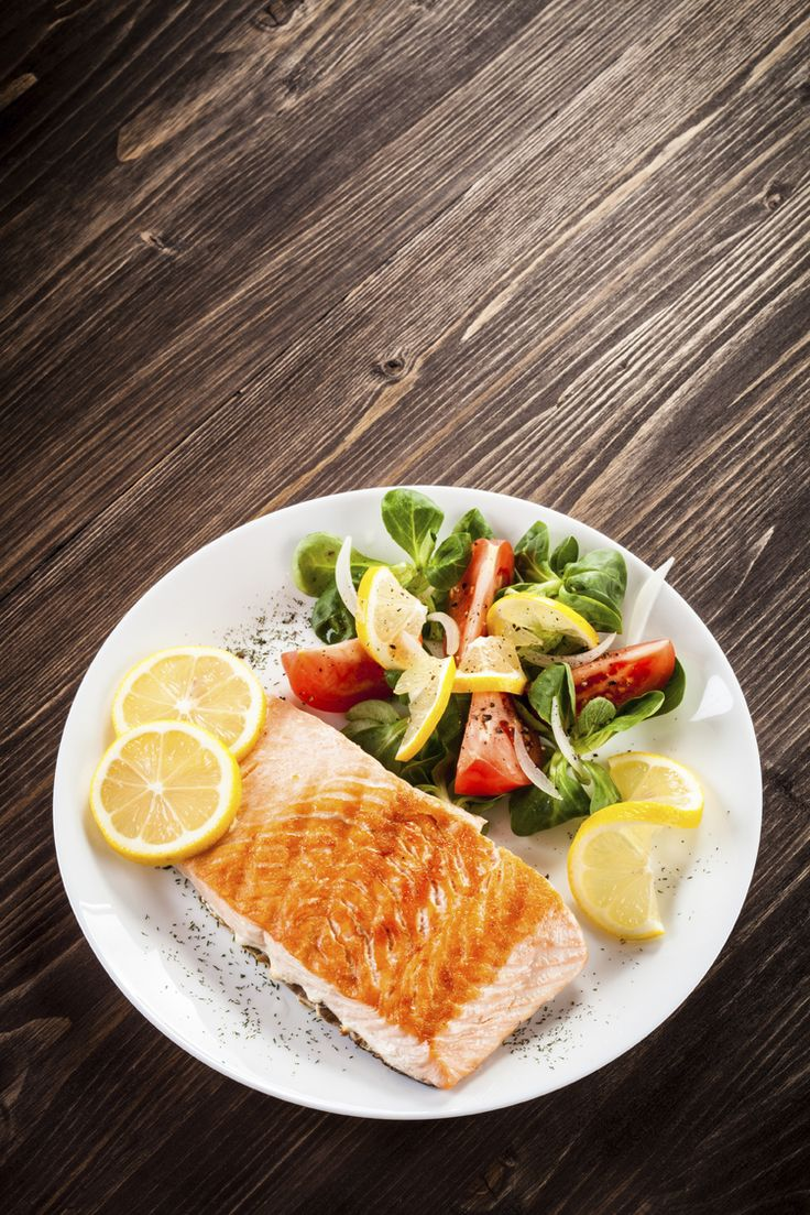 19. Flaky Microwaved Salmon #healthy #quick #recipes http://greatist.com/health/surprising-healthy-microwave-recipes