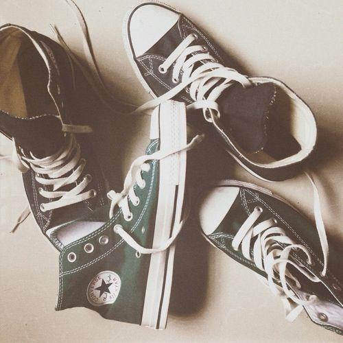Imagini pentru tumblr black converse