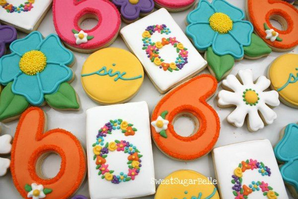 How to make floral monogram cookies: Sugar Cookies, Floral Number, Monogram Cookies, Pretty Floral, Party Idea, Decorated Cookies, Number Cookies