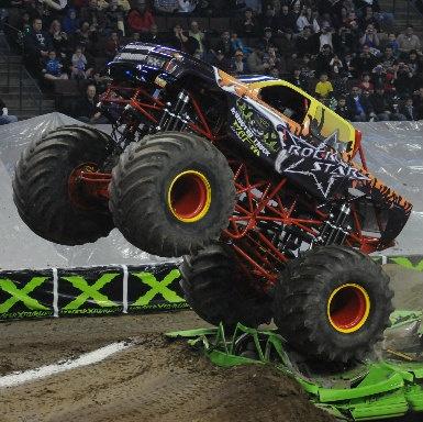 Monster X Tour. På Gdansk-Sopot Ergo Arena kan du se heftige monsterbiler.