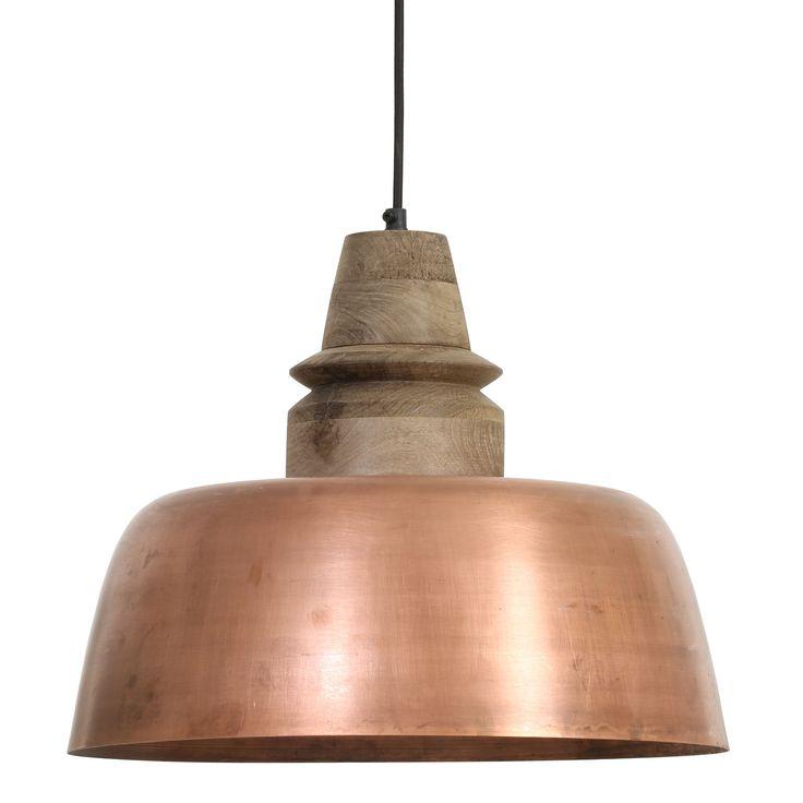 Hanglamp Margo koper- hout weather barn is een stijlvolle & trendy lamp. De lamp is gemaakt van metaal en het bovenstuk van hout. Door de aparte opvallende vorm van de lamp is het een echte eyecatcher voor bijvoorbeeld boven de keukentafel. Deze koperen hanglamp afkomstig van het merk Light&Living heeft de afmeting: 33 x Ø 40 cm. Het hout geeft een rustieke & warme uitstraling. Hanglamp Margo is in meerdere kleuren te verkrijgen!