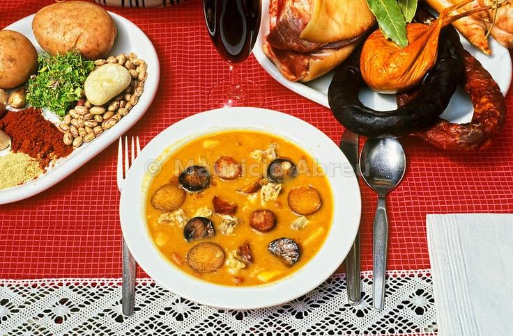 Sopa da Pedra (Stone Soup), Portugal