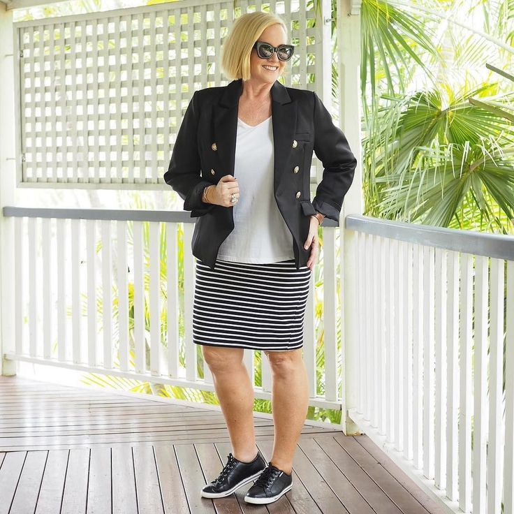 Today's #everydaystyle ... never underestimate the power of a black blazer. This morning I showed you the Bohemian Traders blazer from our Styling You Shop on Jasmine @prettychuffed and here it is on me. Popped on for the photo over a @huntkellylabel tee and old @bohemian.traders skirt. Love my @frankie4footwear NAT sneakers in black and white.  #stylingyoushop #ultimatecapsulewardrobe