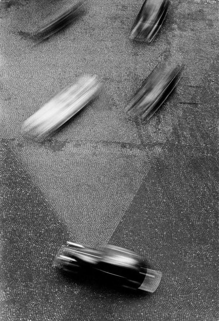 """fromthedust: """" Otto Steinert RHYTHMUS UND STRUKTUR (View from Arc de Triomphe) 1951 gelatin silver print photography """""""