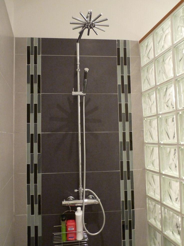 Douche en blocs de verre id es d co et am nagement - Salle de bain pave de verre ...