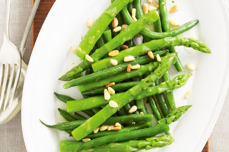 Just four ingredients is what it takes to create this fast and fresh salad with asparagus and green beans.