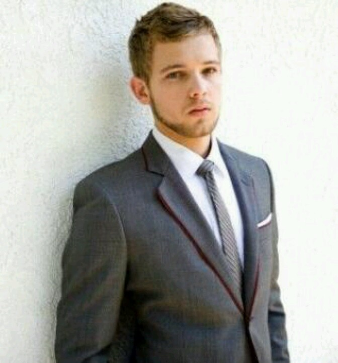 max thieriot 2016