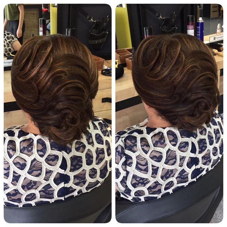 #topuz #klasik #saç #makyaj #makeup #hair #hairstyle #hairsalon #tayfunaydinsactasarim #hairartist #tayfunaydın #bursa http://turkrazzi.com/ipost/1519467902817701843/?code=BUWPAHTDo_T