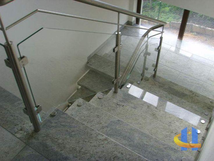 Freitragende Treppen - Natursteine - Platten