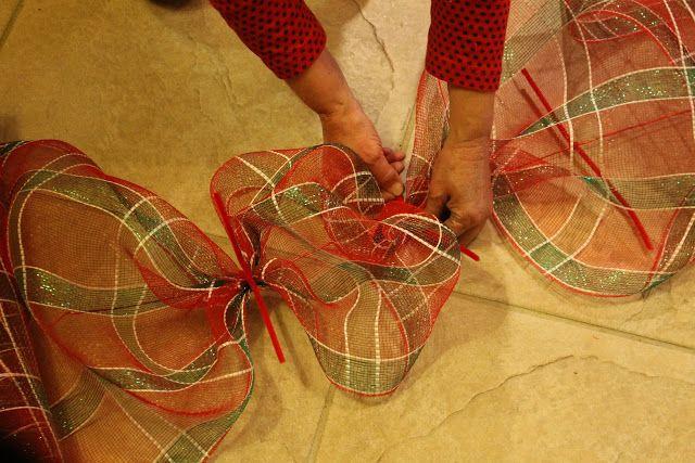 Miss Kopy Kat: How To Make a Deco Mesh Garland