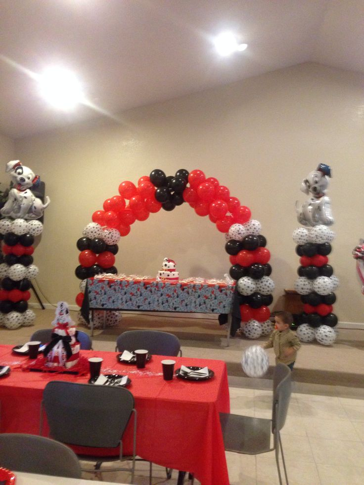 Cake Table Decorations With Balloons : 1000+ images about Dalmations on Pinterest Balloon ...