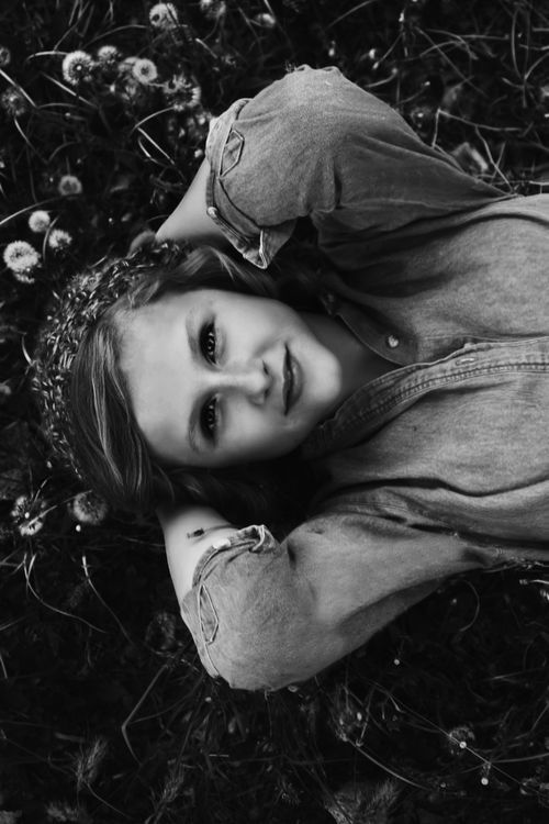 (hipster,vintage,black and white,girl,model,pretty,photography,cute,teen,girls,beautiful,hot)