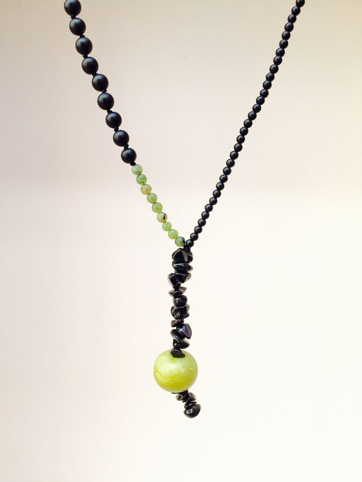 Black onyx with green jade