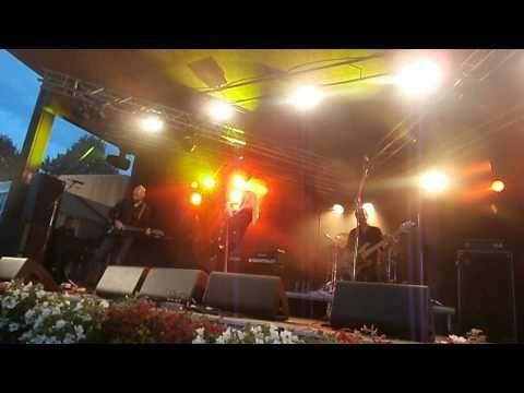 Bonnie Tyler - Kuopio (Finland) - 06/07/2013 - Have You Ever Seen The Rain  #bonnietyler #gaynorsullivan #gaynorhopkins #thequeenbonnietyler #therockingqueen #rockingqueen #music #rock #2013 #finland #kuopio #concert #bonnietylervideo #haveyoueverseentherain #kuopiowinefestival