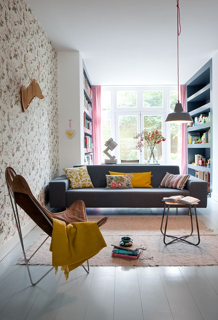 .: Pastel, Spaces, Design Homes, Living Rooms, Modern Eclectic, Interiors Design, Lounge, Yellow Homes Decoration, Sofa Cushions