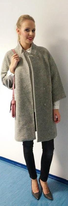 fashion grey coat outfit blonde pink bag white shirt high heels smile