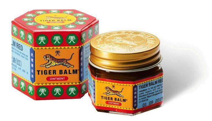 Le baume du tigre était très en vogue dans les années 80. Il était souvent utilisé comme un remède de grand-mère pour lutter contre les maux de dents, les douleurs du rhumatisme, les peaux sèches ou même les hémorroïdes. De plus en plus les huiles essentielles ont pris la place dans les traitements des douleurs et autres maladies bénignes. Cependant le baume du tigre reste un incontournable. Il est un baume à avoir absolument chez soi, car il est très efficace contre plusieurs maladies…