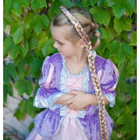 Fairytale Princess Lilac from Great Pretenders! Little Rapunzels once had their work cut out for them - in the times of Brothers Grimm there was hardly fortifying shampoos and conditioners - they needed to rely on magic of all things.