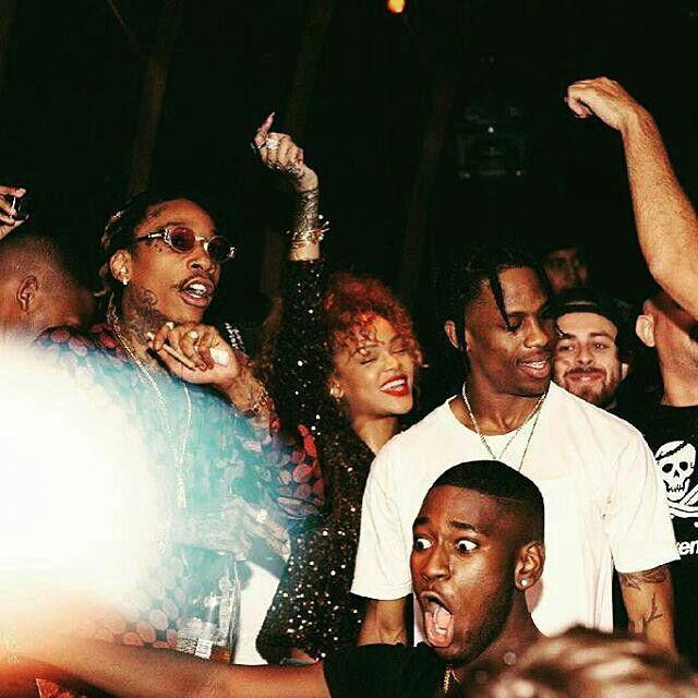 6d76b905125c Wiz Khalifa, Rihanna, and Travis Scott at Wiz's birthday bash   Rih    Rihanna, Travis scott, Rihanna fan