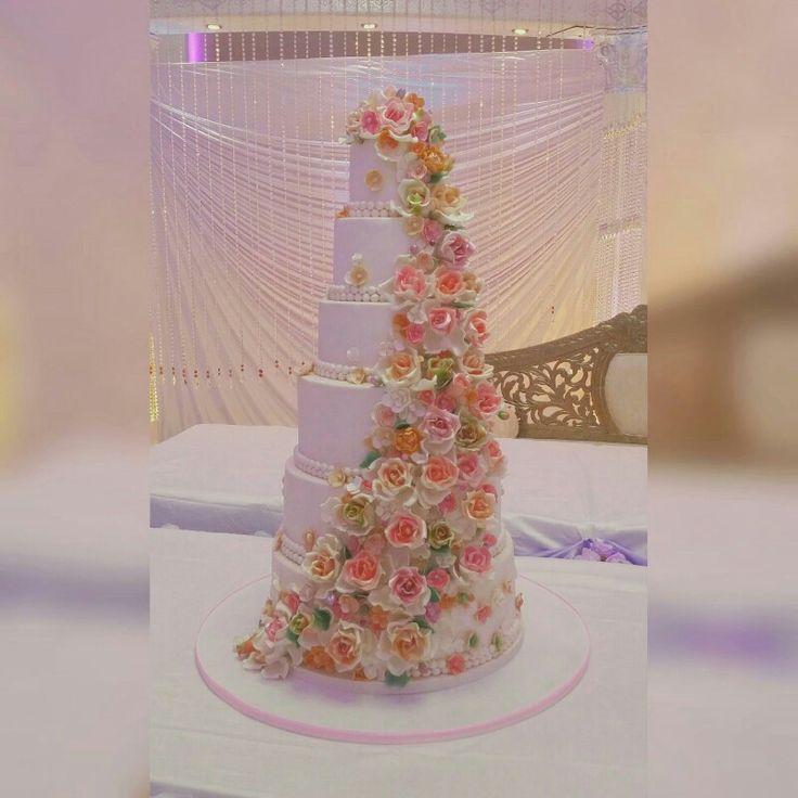 Romantic  pastel  flower wedding cake..made by keekjes.