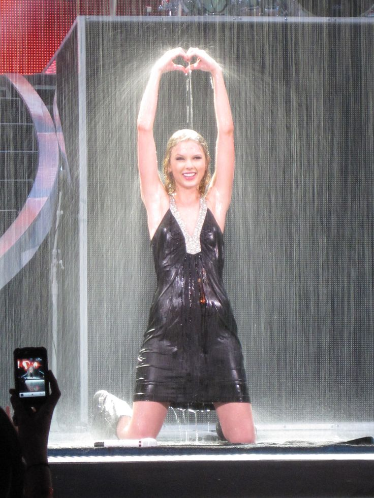 Should've Said No - Fearless Tour