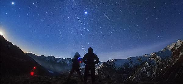 Stelle cadenti, arrivano la pioggia di meteoriti Liridi e Pi Puppidi
