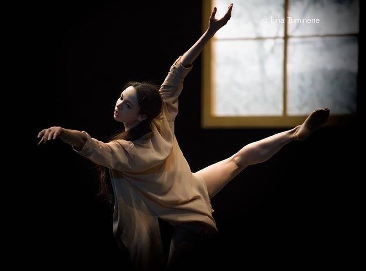 "Diana Vishneva (@dianavishnevaofficial) on Instagram: ""'Woman in the room' by Carolyn Carlson  Photo: @irinatuminene"""