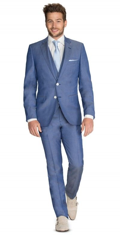 BLAUW 3-DELIG PAK Italiaans gesneden blauw pak, 3-delig uitgevoerd met gilet van hetzelfde materiaal als het kostuum. verkrijgbaar in diverse kleuren....