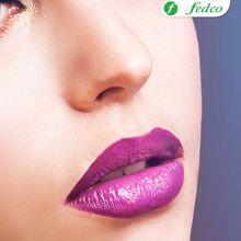 ¡Arriésgate a lucir unos labios intensos!  Recuerda combinar esta tendencia en labios con colores suaves en los ojos para lograr el equilibrio perfecto.