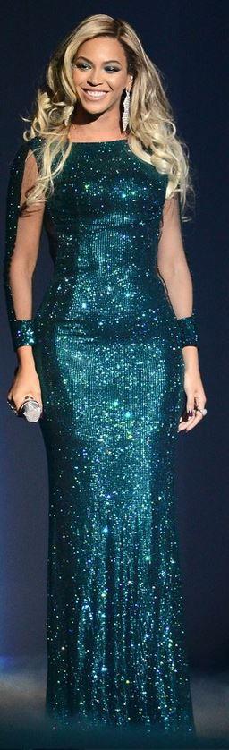 Beyonce Knowles: Dress – Vrettos Vrettakos  Jewelry – Lorraine Schwartz