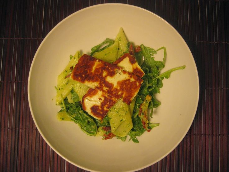 My Thermomix Kitchen - Blog for healthy low fat Weight Watchers friendly recipes for the Thermomix : Warm Pesto Pasta with Haloumi