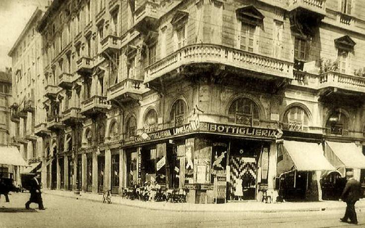 Piazzale Cantore angolo corso Genova, anni '30.